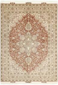 Tabriz 50 Raj Matta 145X212 Äkta Orientalisk Handknuten Beige/Ljusgrå (Ull/Silke, Persien/Iran)